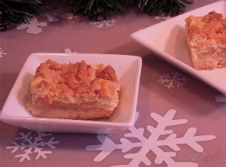 Almond_Apple_Cream_Cheese_Bars