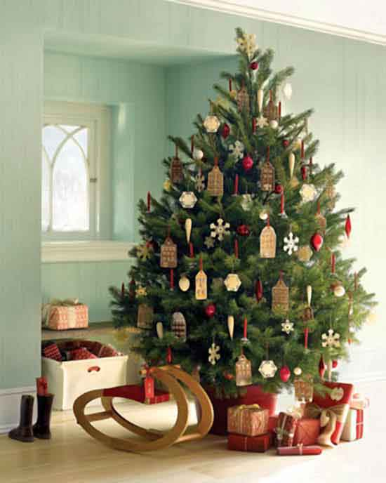 Christmas_Tree_Trimming_Party_Ideas_Tree3.jpg
