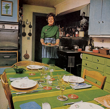 Thanksgiving-dinner-party-julia-child-house_garden