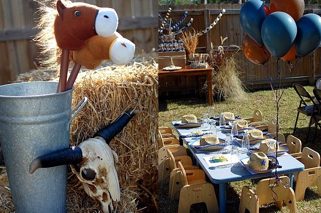 wild west party decor2.jpg